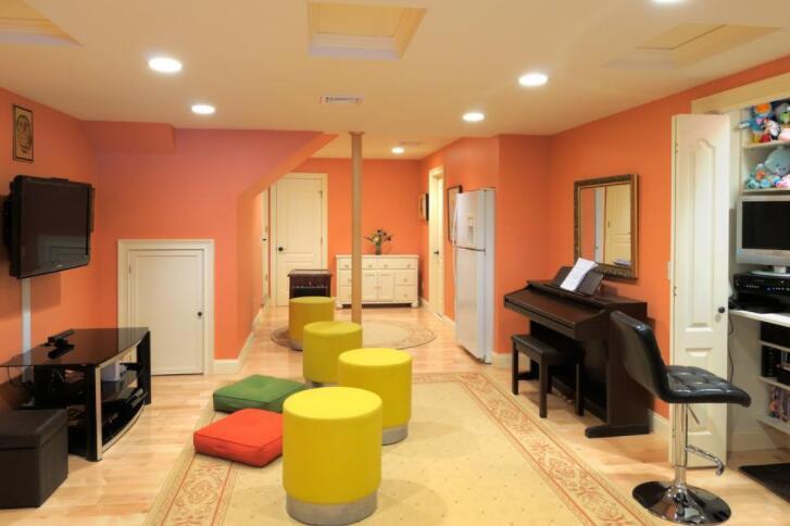 室内绿植等装饰物.jpg