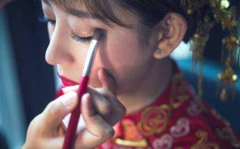 婚礼化妆师.jpg